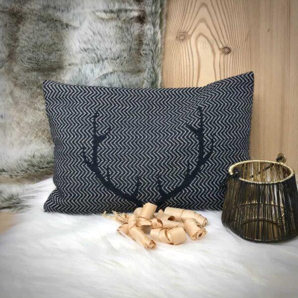 """""""CORGN"""" cuscino con fiocchi di CIRMOLO, corna di cervo, stile tirolese montagna, Lana Merino e cotone, 22 x 33 cm, colore grgio"""
