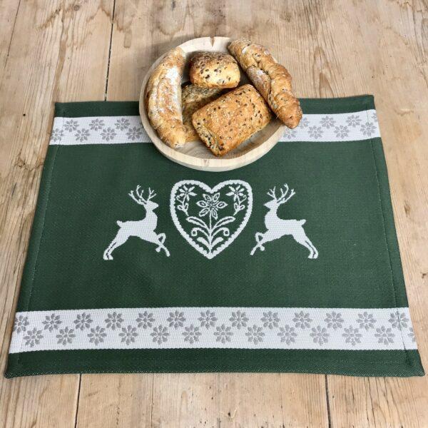 Centrino tovaglietta all' americana con cervi, cuore e stelle alpine, stile tirolese montagna, 100% cotone, 40x48 cm, colore verde